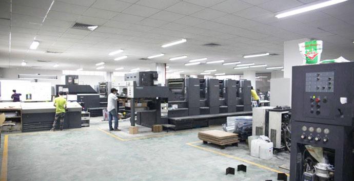 信瑞彩印生产车间